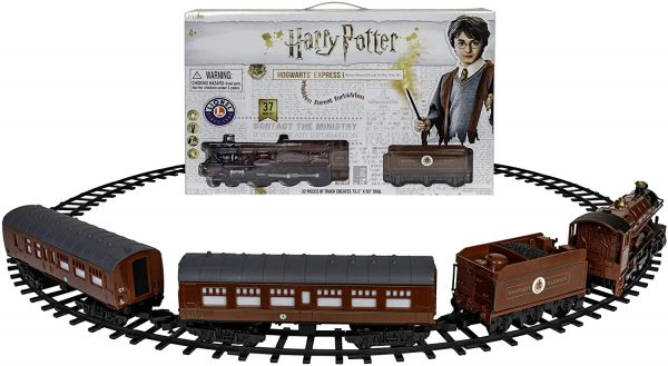 Harry Potter Hogwarts Express Ready to Play Train Set with 37 Pieces from Lionel